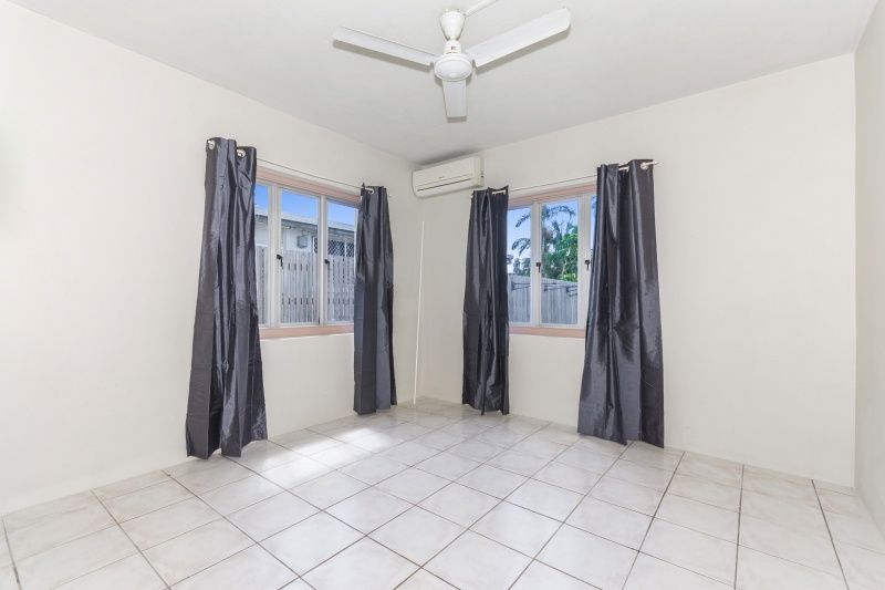 4/37 Bayswater Terrace, Hyde Park QLD 4812, Image 2