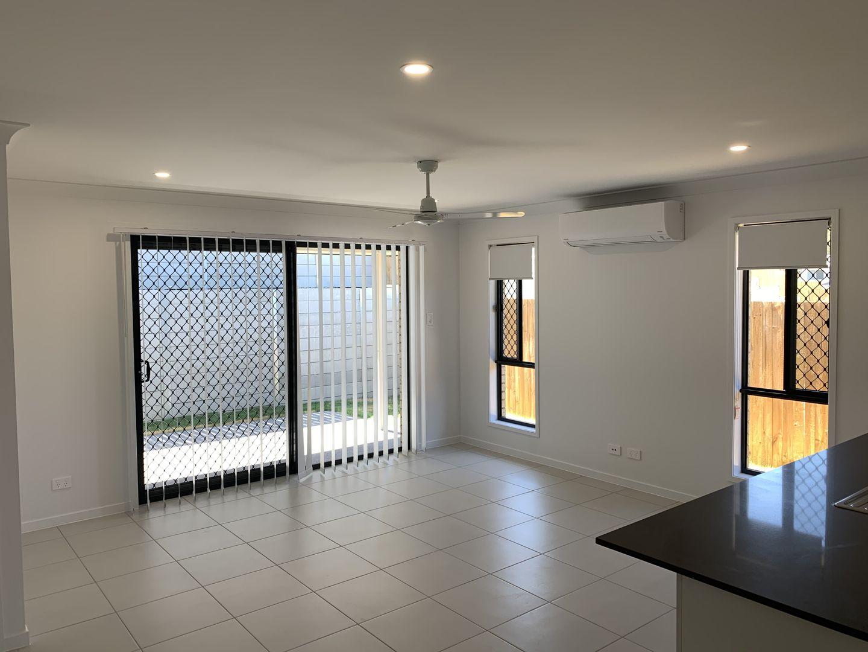 11 Denali Street, Holmview QLD 4207, Image 2