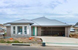 51 Molloy Drive, Orange NSW 2800