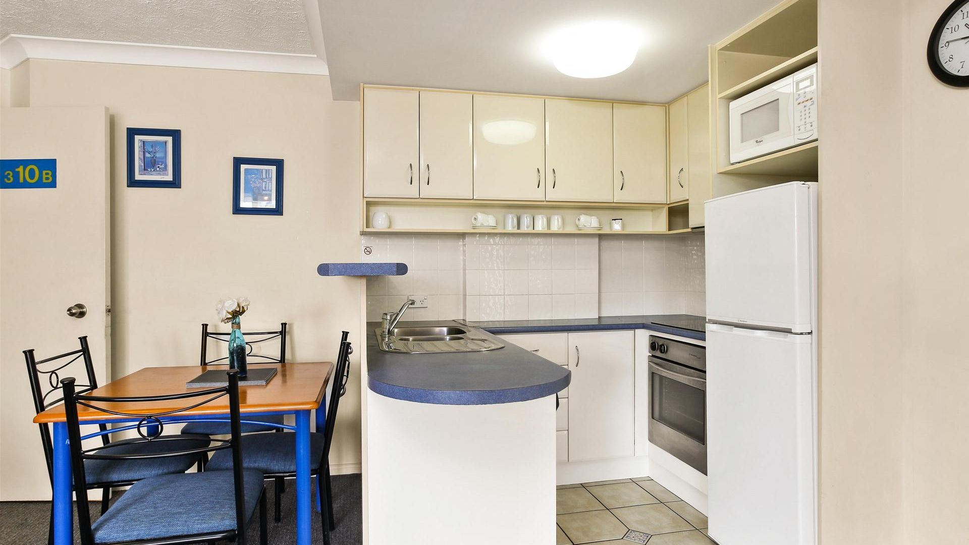 10/484-488 Marine Parade, Biggera Waters QLD 4216, Image 2
