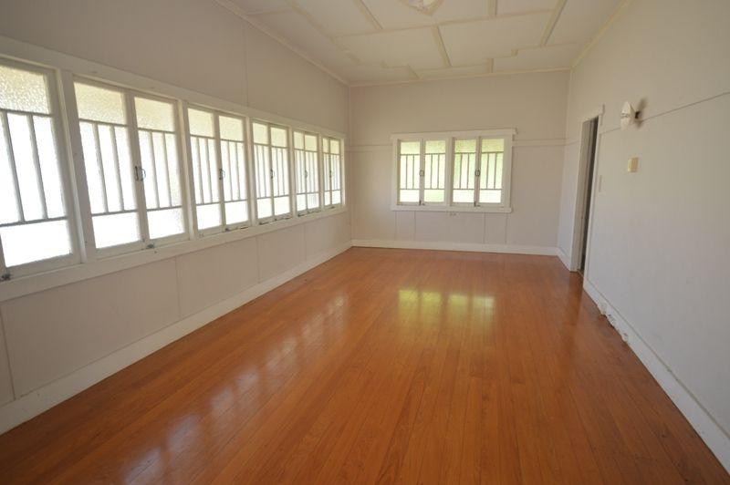 21 Hibiscus Street, Urangan QLD 4655, Image 1
