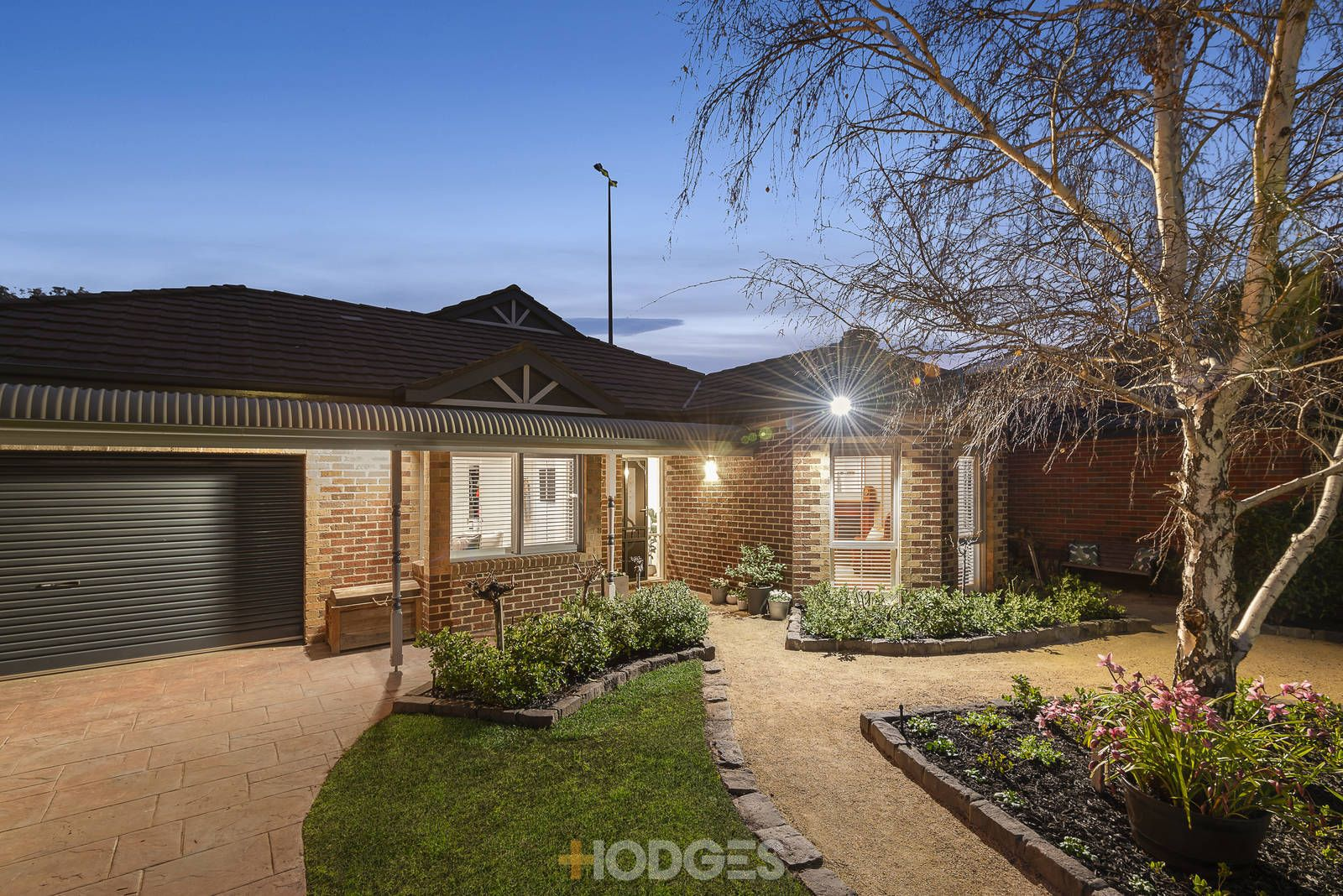 27 Parkview Crescent, Hampton East VIC 3188, Image 0