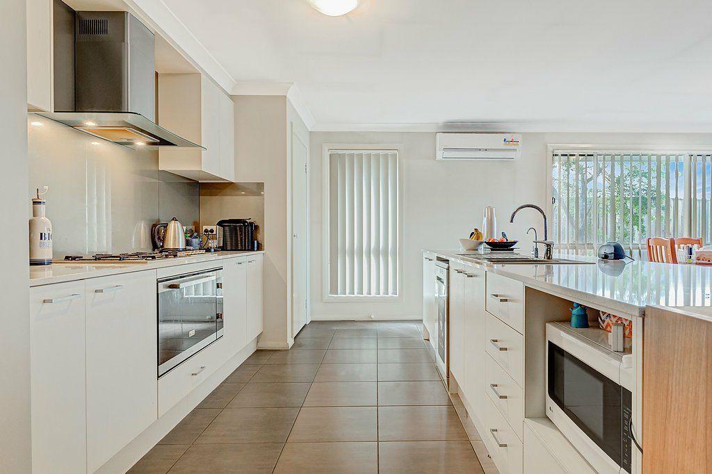 8 Grebe Street, Aberglasslyn NSW 2320, Image 2