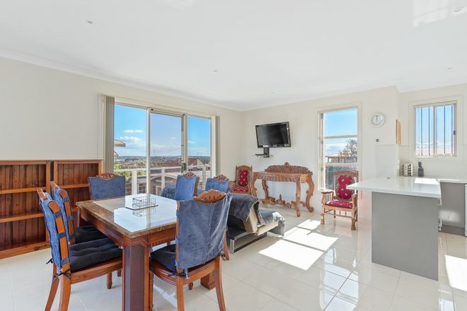Picture of 1/1 Wonthaggi Crescent, SAN REMO VIC 3925