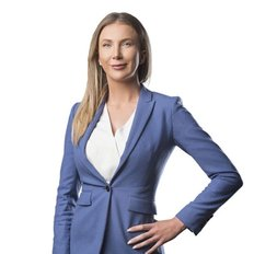 Amie Goddard, Sales representative