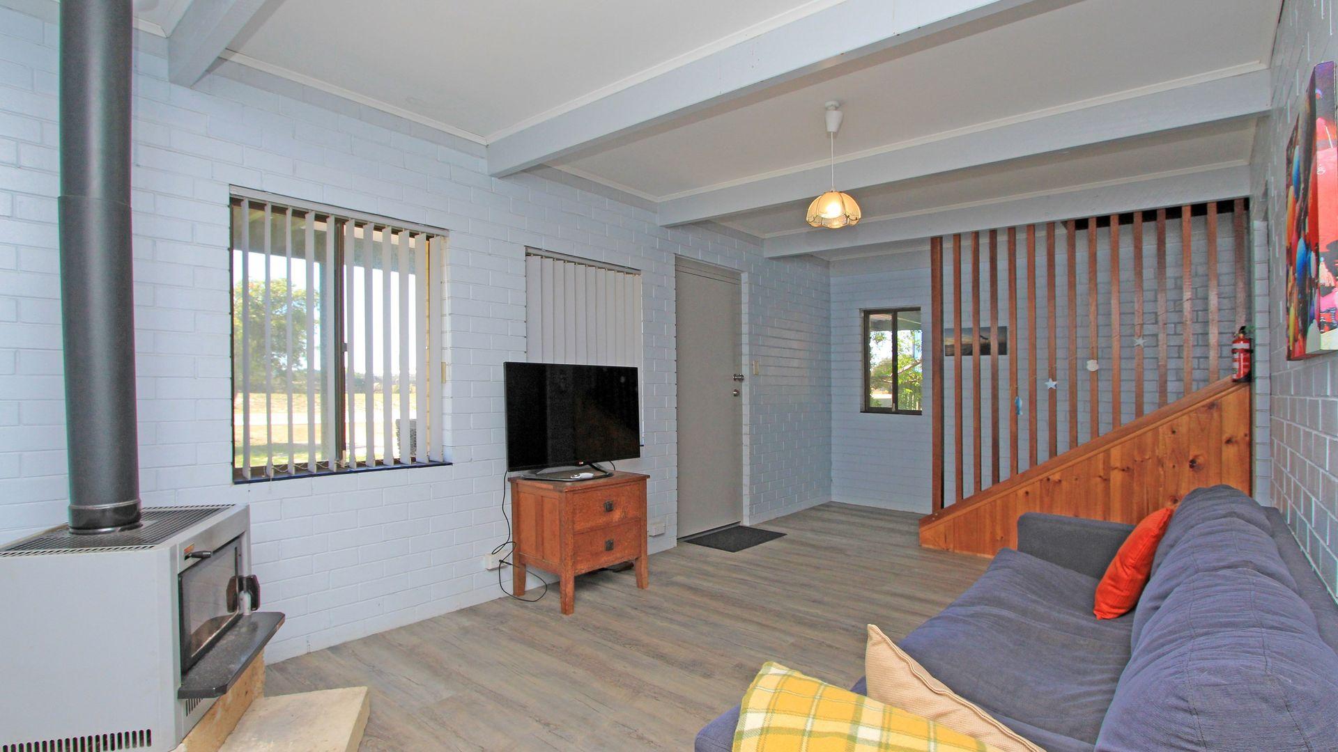 20 Dalton Street, Jurien Bay WA 6516, Image 1