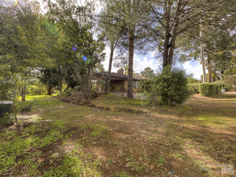 114 Grove Road, Lesmurdie WA 6076, Image 2