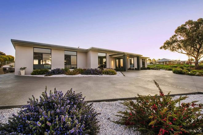 Picture of 32 Robert Hoddle Grove, MUDGEE NSW 2850