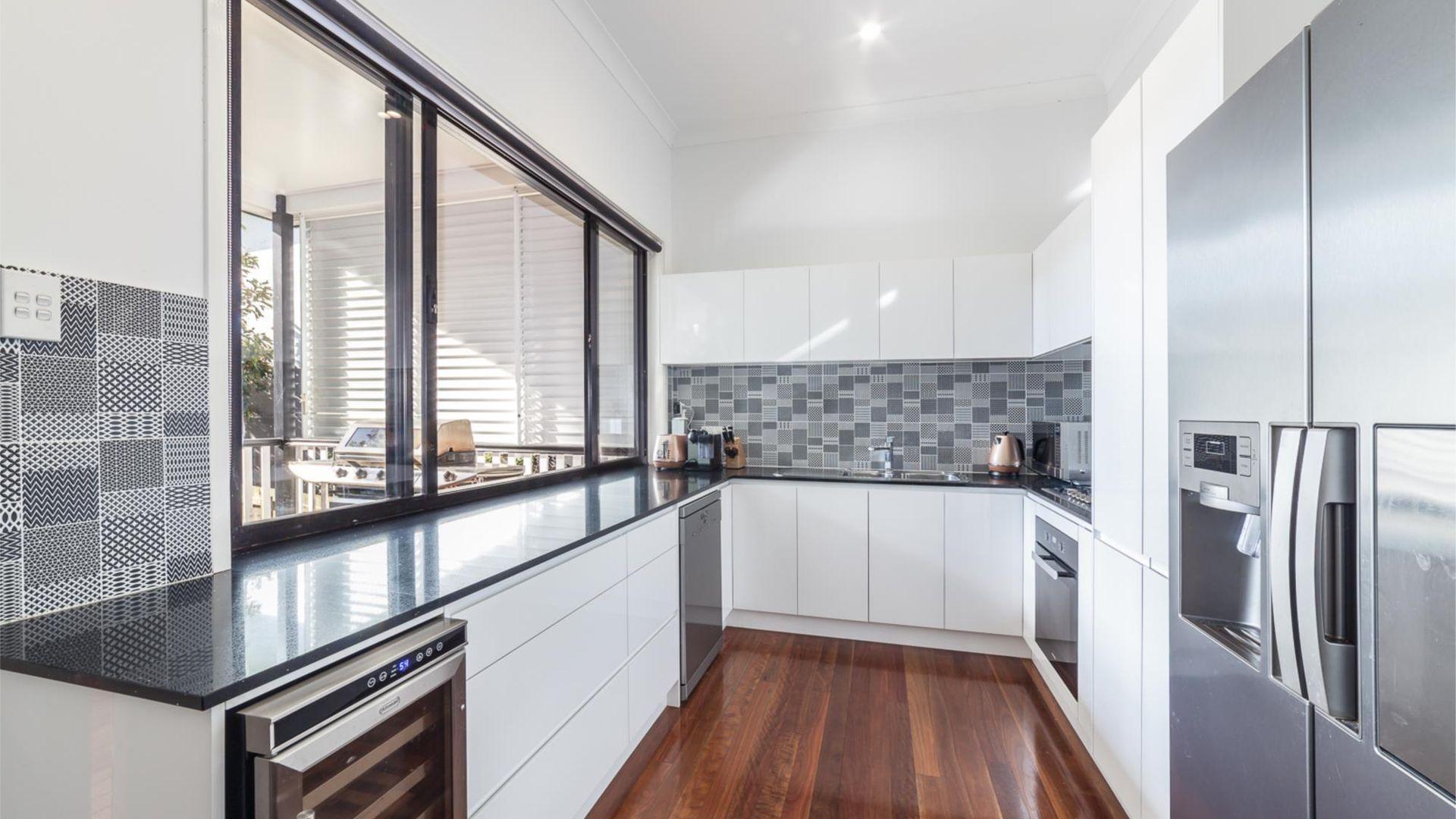 17 Duke Street, Annerley QLD 4103, Image 2