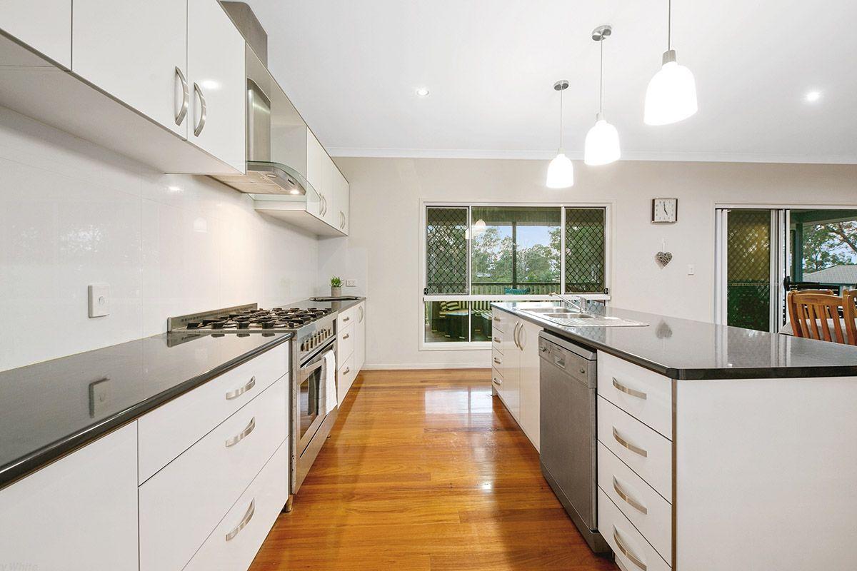 2 Josette Place, Pine Mountain QLD 4306, Image 1