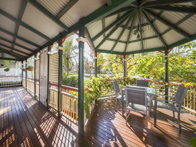 19 Wattle Avenue, Yeerongpilly QLD 4105, Image 1