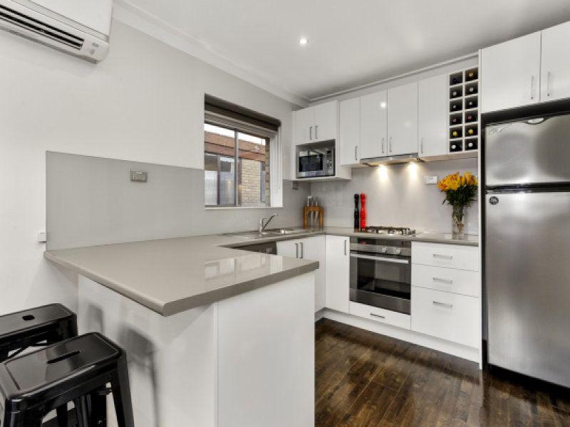 8/9 Gordon Street, Footscray VIC 3011, Image 2