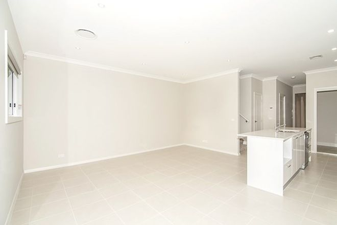 Picture of 10 Kathleen Parade, PICNIC POINT NSW 2213