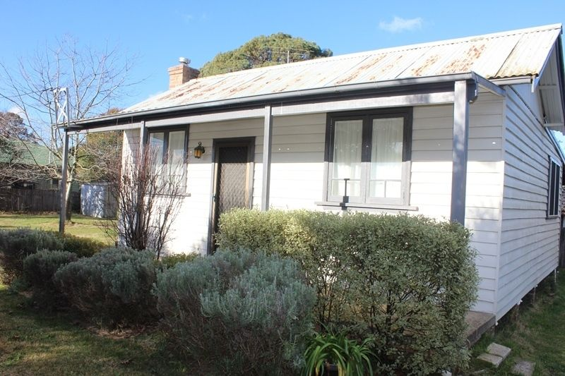 11 Beaconsfield Road, Moss Vale NSW 2577, Image 1