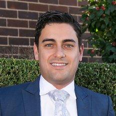 Chris Pennisi, Sales Agent