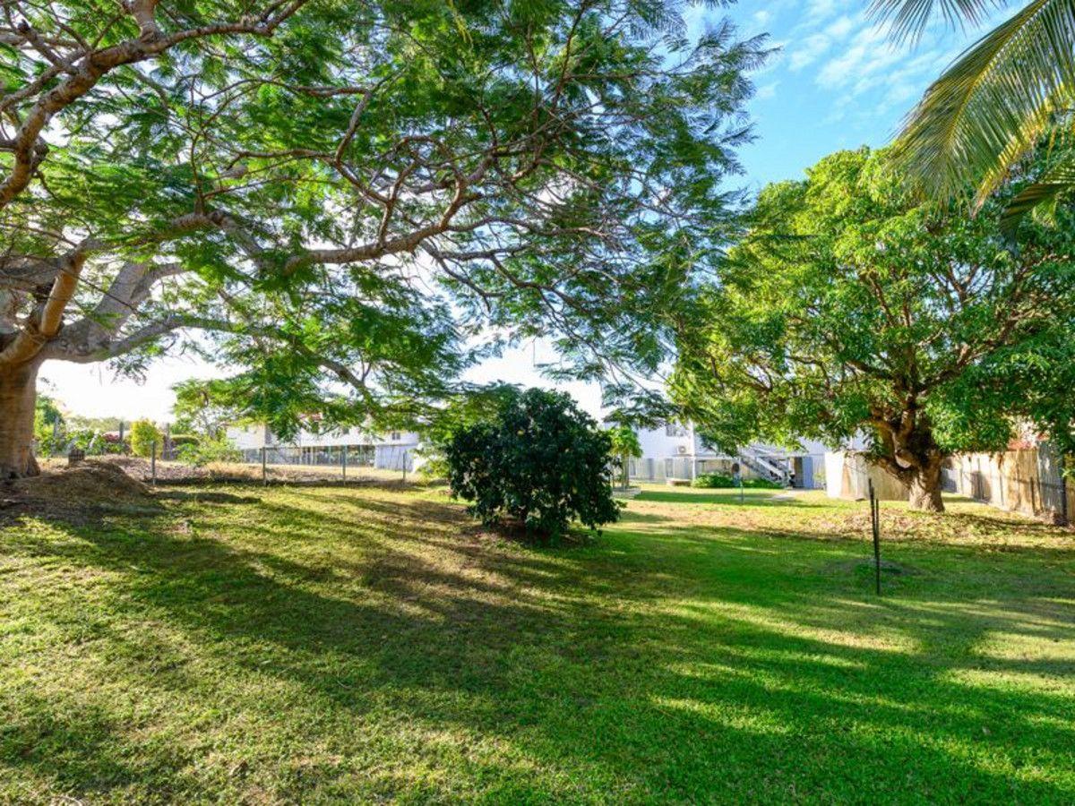 27 Gladstone Street, Mount Larcom QLD 4695, Image 1