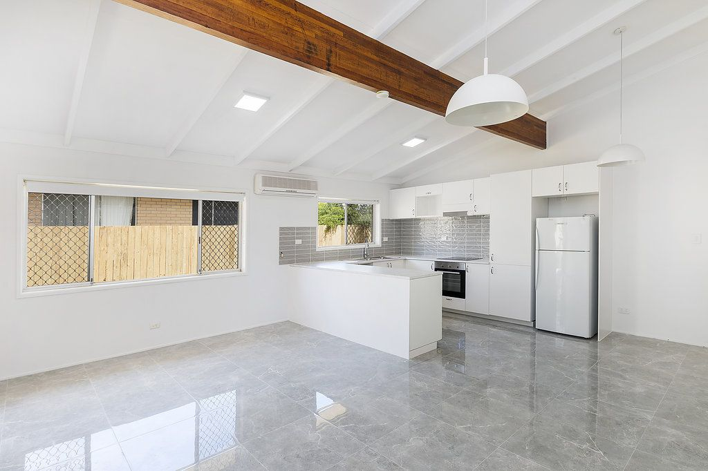 1/11 Muscovey Avenue, Paradise Point QLD 4216, Image 0