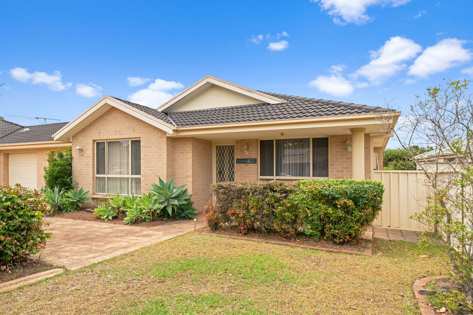 1/20 Freesia Crescent, Bomaderry NSW 2541, Image 0