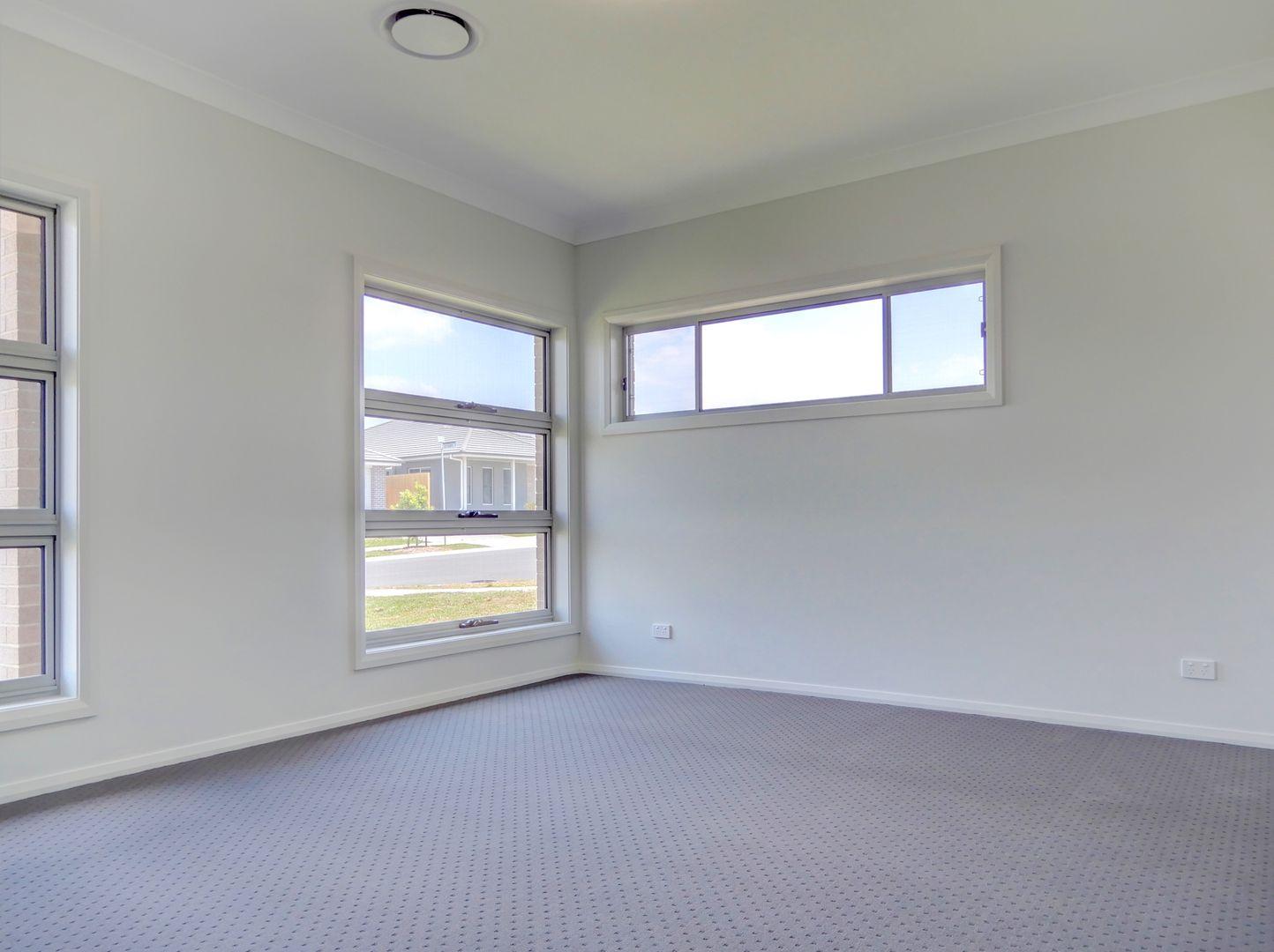 33 Guthrie Crescent, Thornton NSW 2322, Image 1