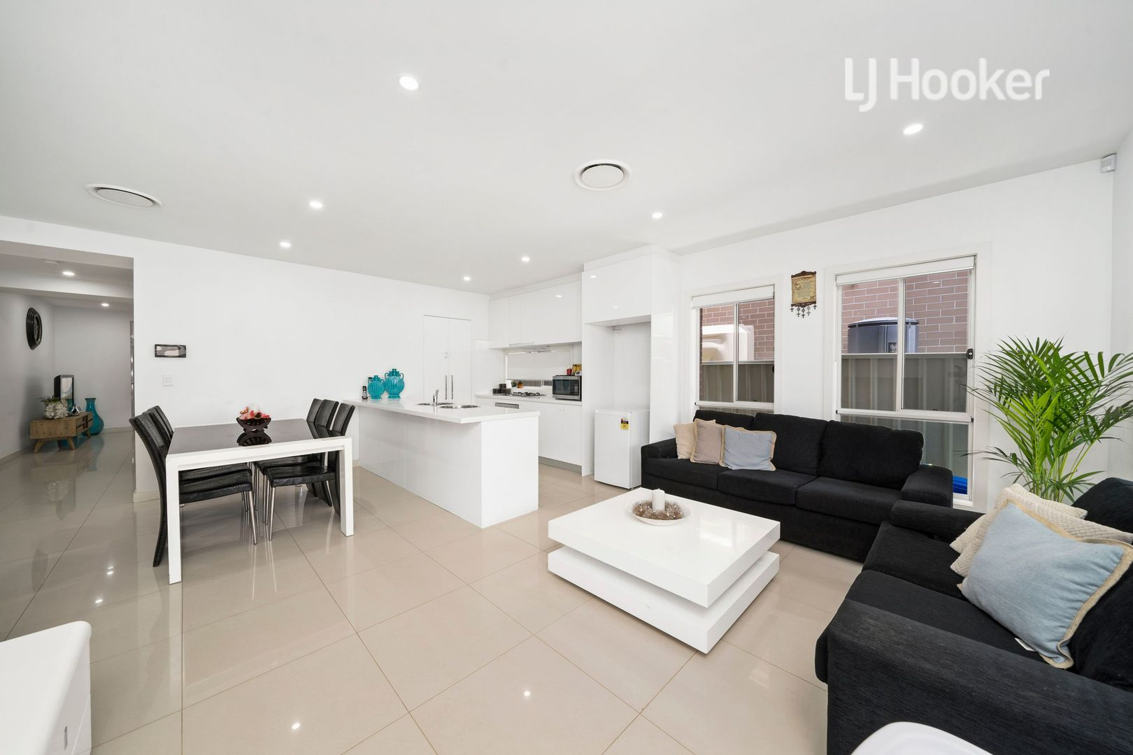 96a Stella Street, Fairfield Heights NSW 2165, Image 2