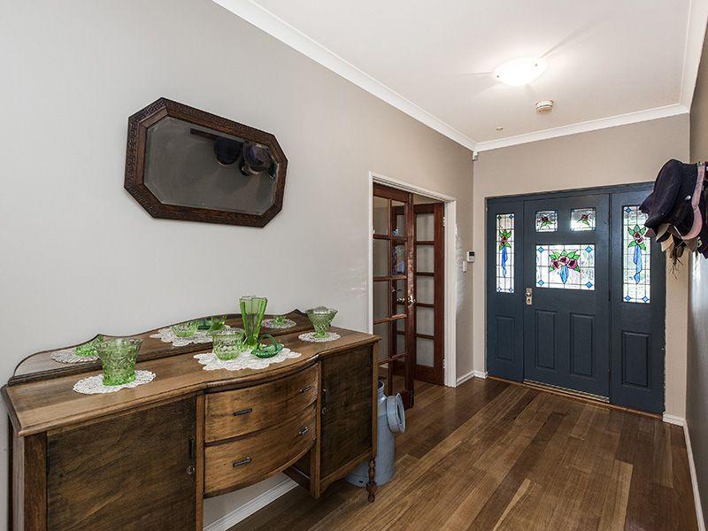 19 Caladenia Place, Canning Vale WA 6155, Image 2