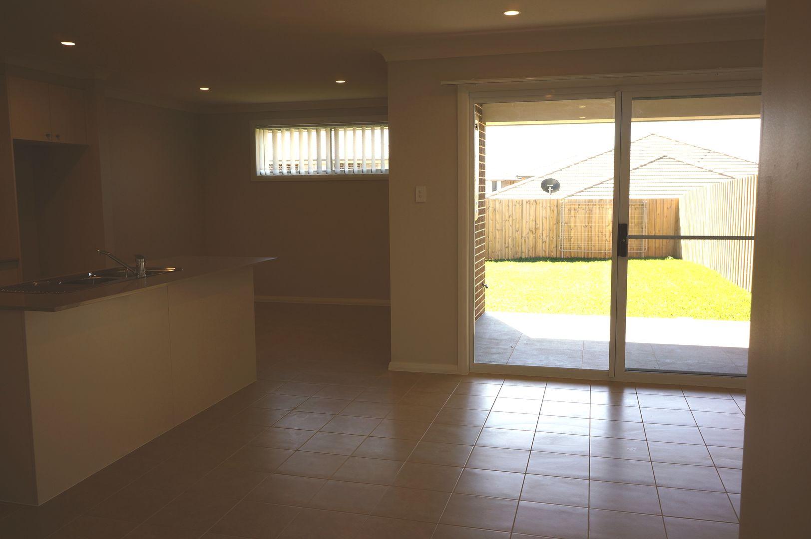 16 Webber Circuit, Bardia NSW 2565, Image 2