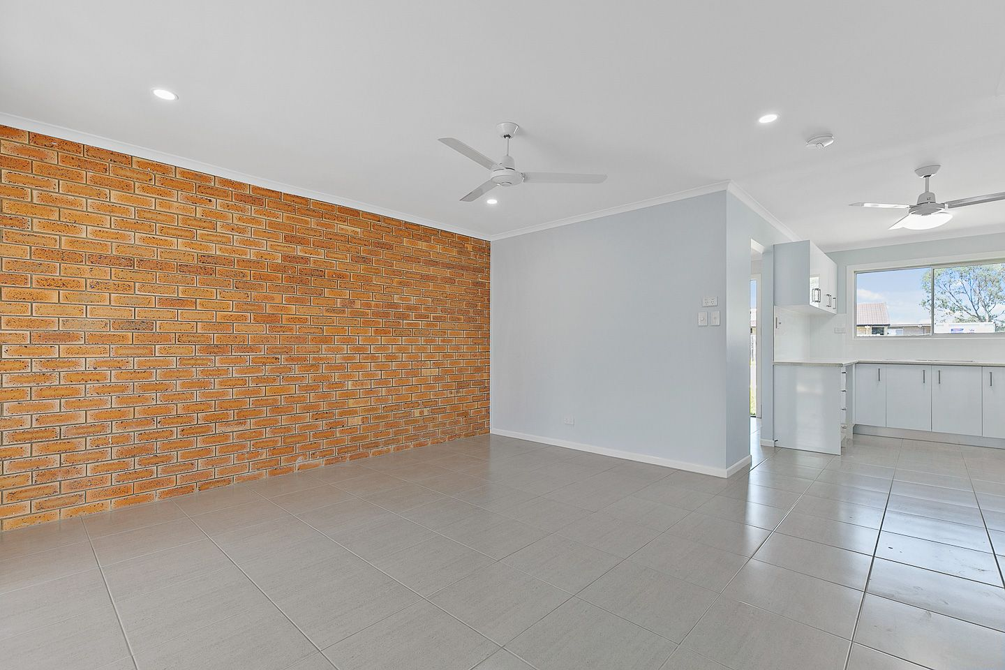 1/123 Denmans Camp Road, Kawungan QLD 4655, Image 2