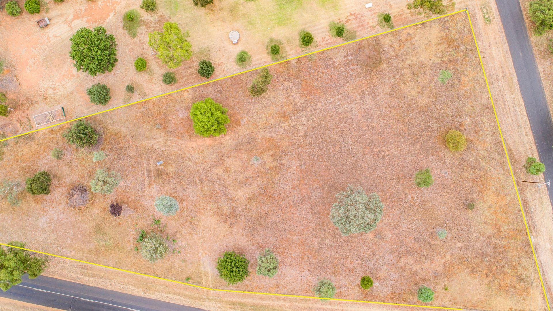 11 Jukes Lane, Cowra NSW 2794, Image 2