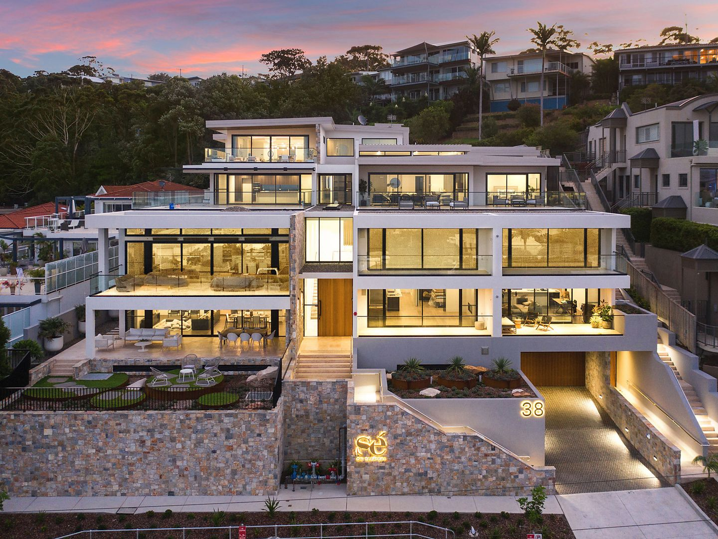 38 Campbell  Crescent, Terrigal NSW 2260, Image 0