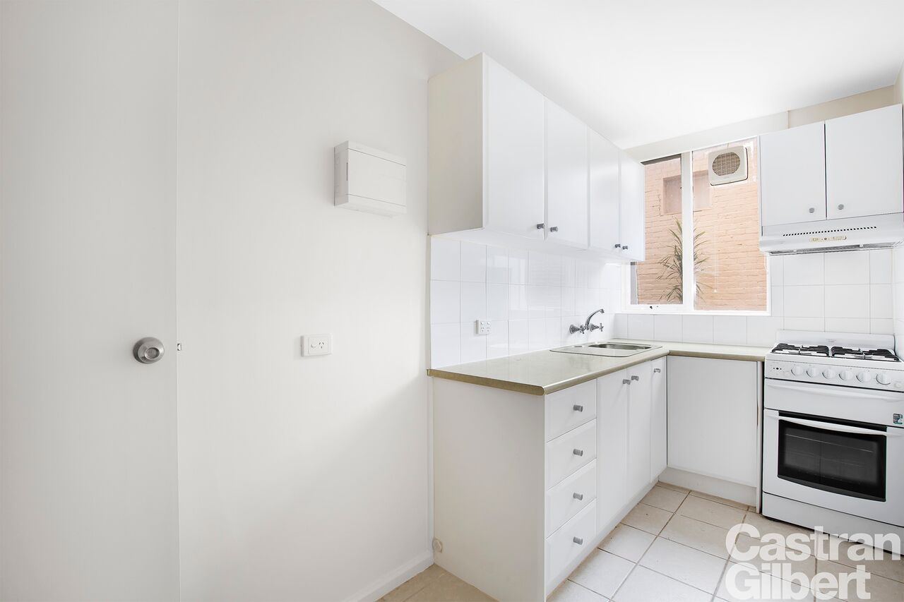 9/12 Normanby Street, Windsor VIC 3181, Image 1