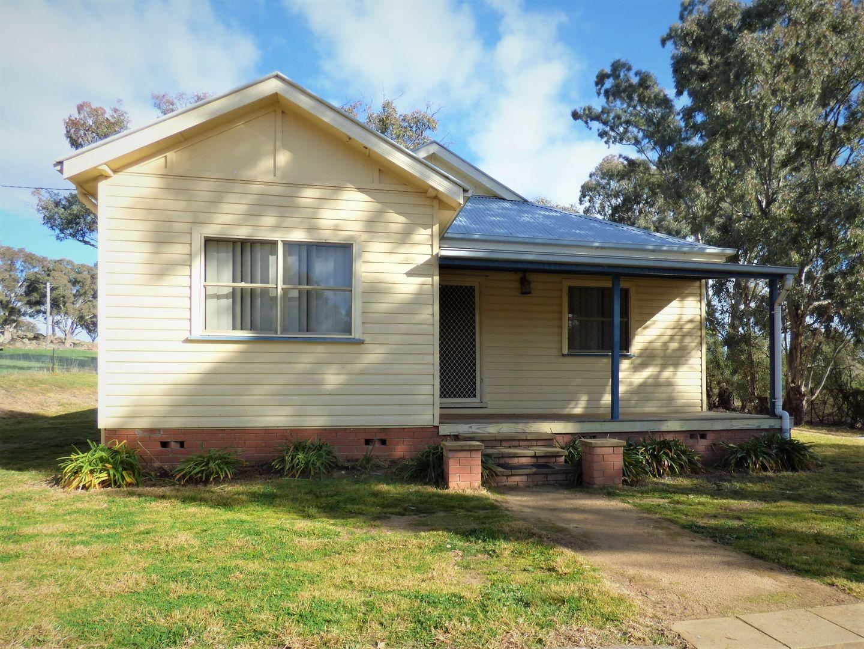 8 Dairymans Lane, Young NSW 2594, Image 0