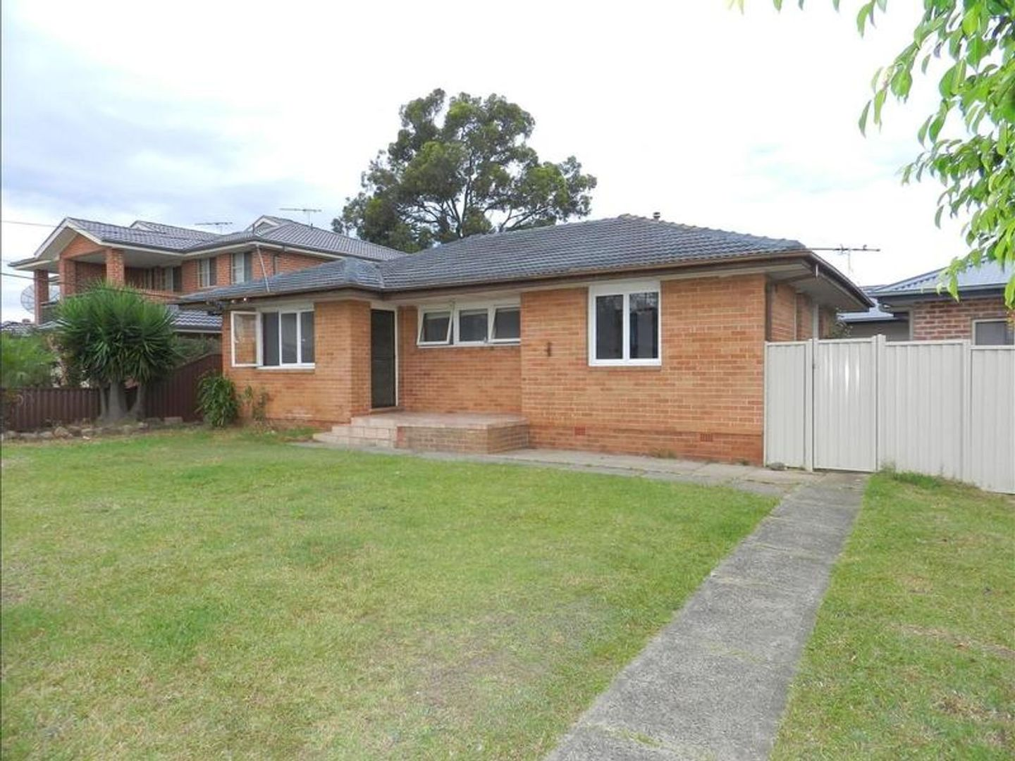 30 Hatfield Road, Canley Heights NSW 2166, Image 2