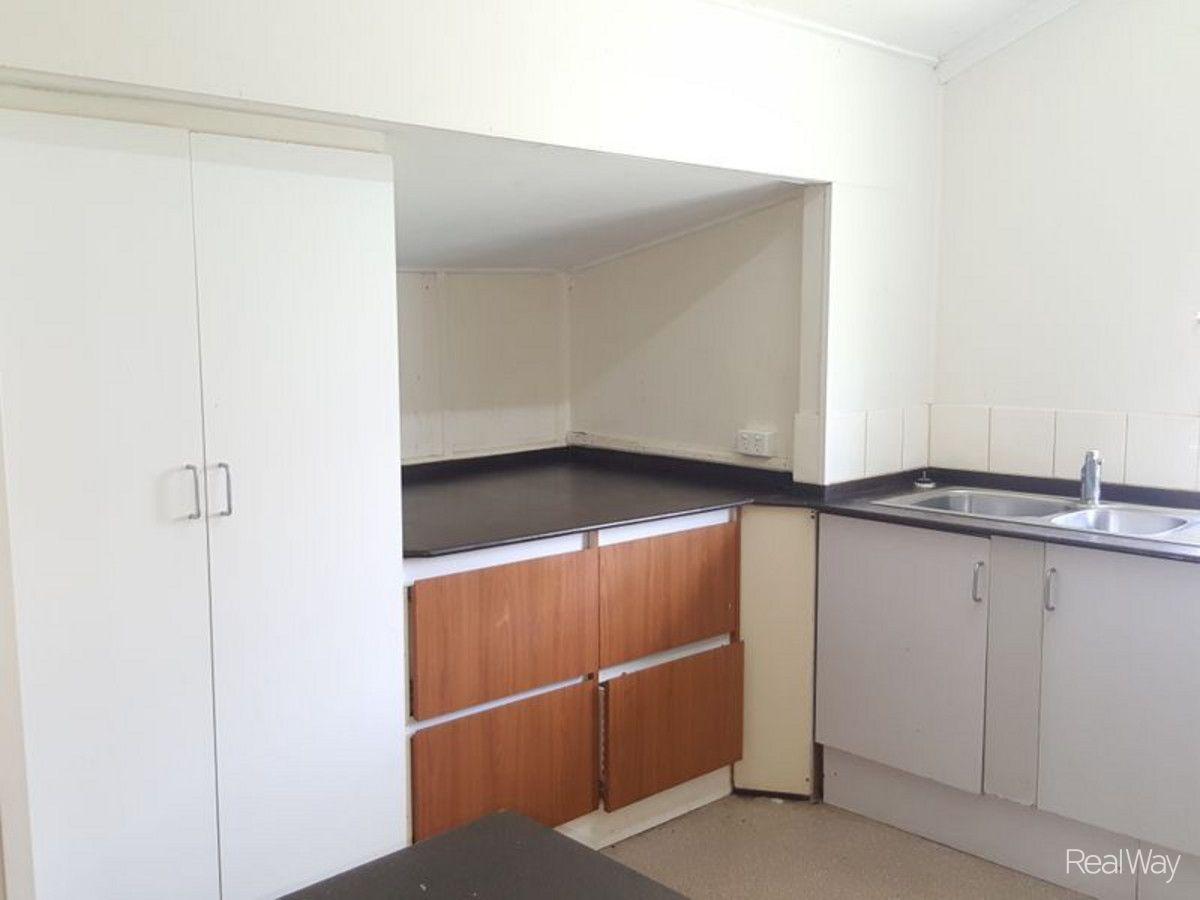 3 James Street, Mount Morgan QLD 4714, Image 2