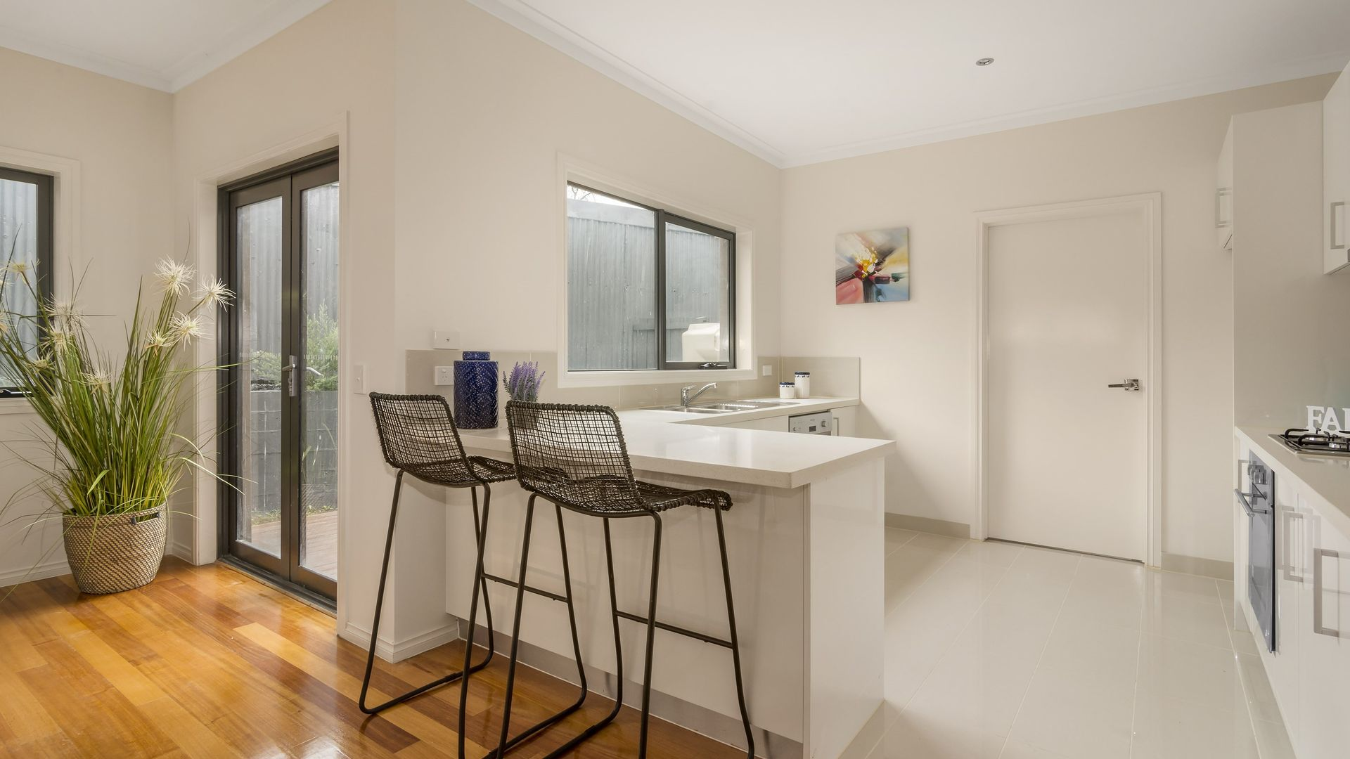 5/5 Edward Court, Ivanhoe VIC 3079, Image 2