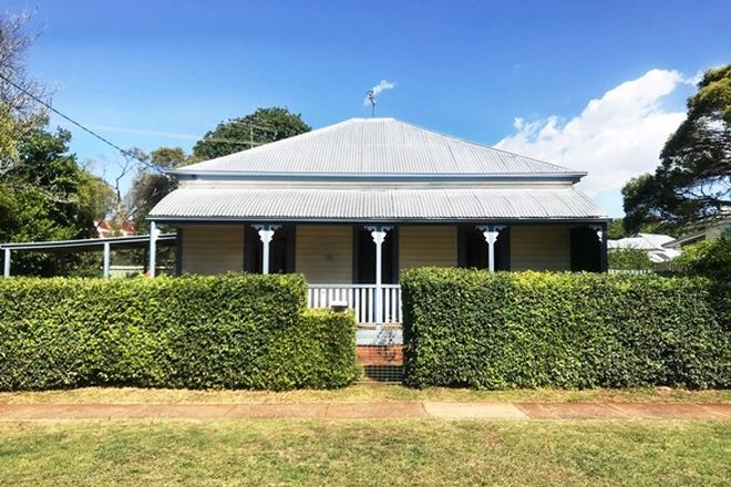 Picture of 114 Hill Street, NEWTOWN QLD 4350
