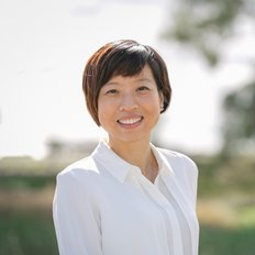 Alice Wong, Sales representative
