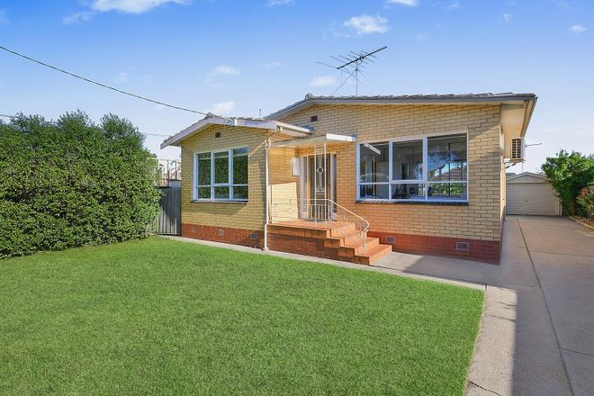 Picture of 5 Maple Crescent, BELL PARK VIC 3215
