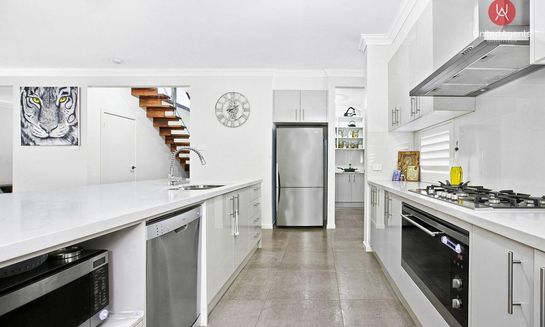 13 Dunell Street, Middleton Grange NSW 2171, Image 2