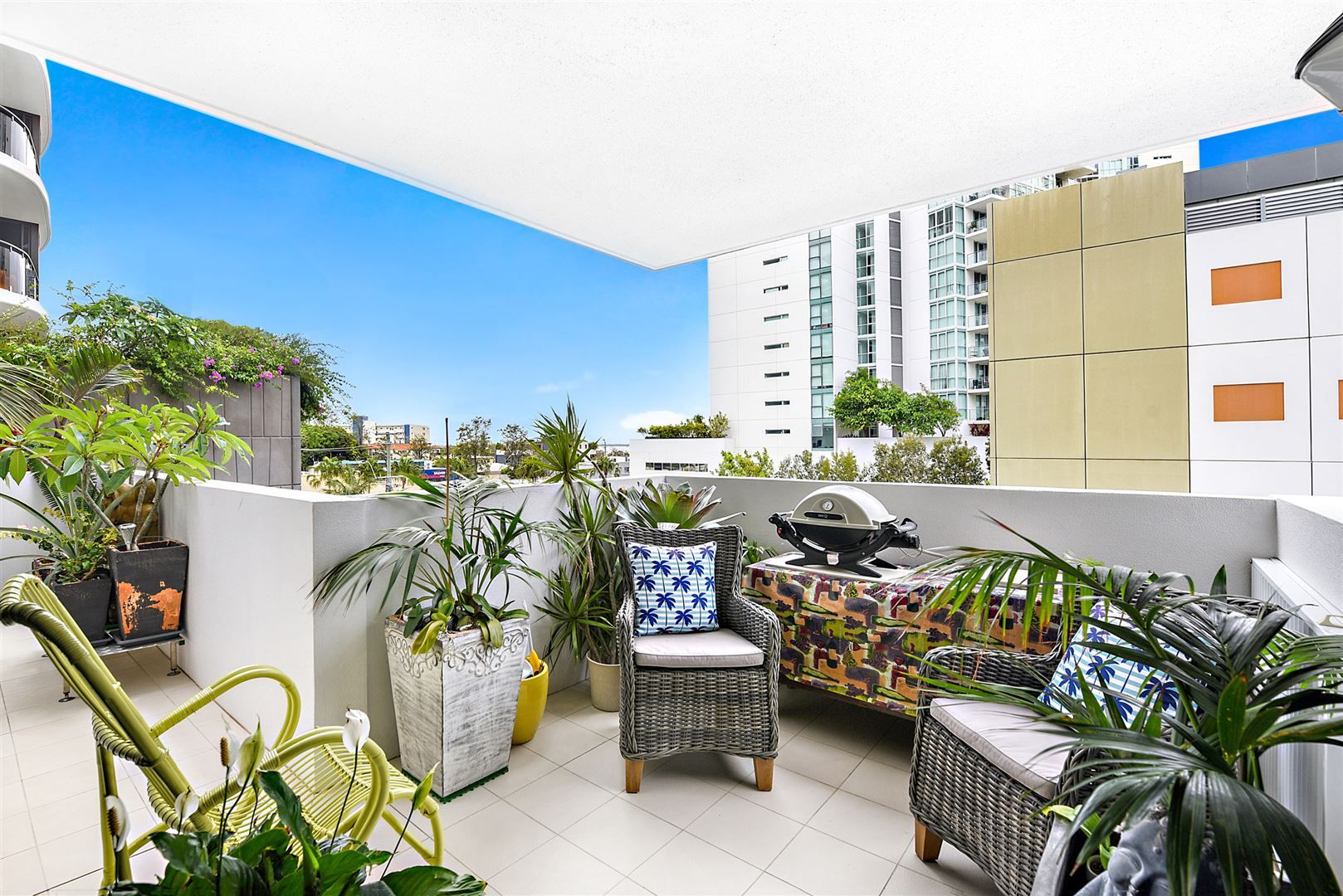 102/133 Scarborough Street, Southport QLD 4215, Image 2