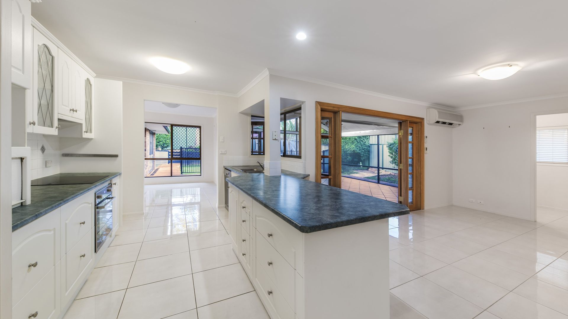 3 Ebbro Court, Daisy Hill QLD 4127, Image 2