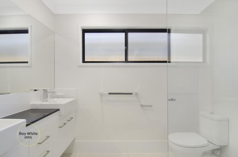 47 Hill Drive, Pimpama QLD 4209, Image 2