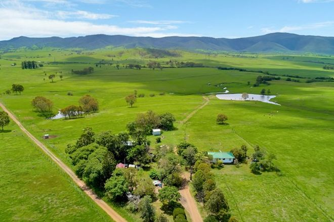 Picture of 1064 Cooeeimbardi Road, TOOGOOLAWAH QLD 4313