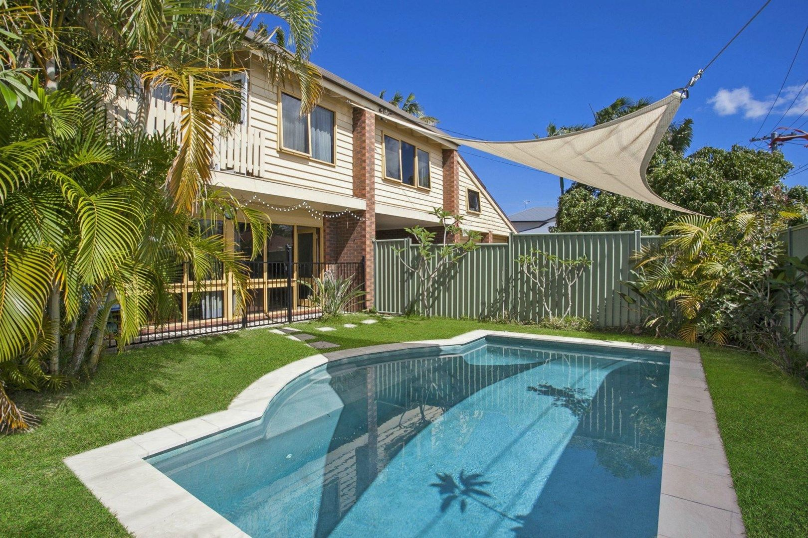 36 Kingfisher Crescent, Burleigh Waters QLD 4220, Image 0