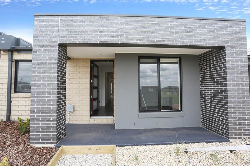8 Tuin Walk, Wollert VIC 3750, Image 1