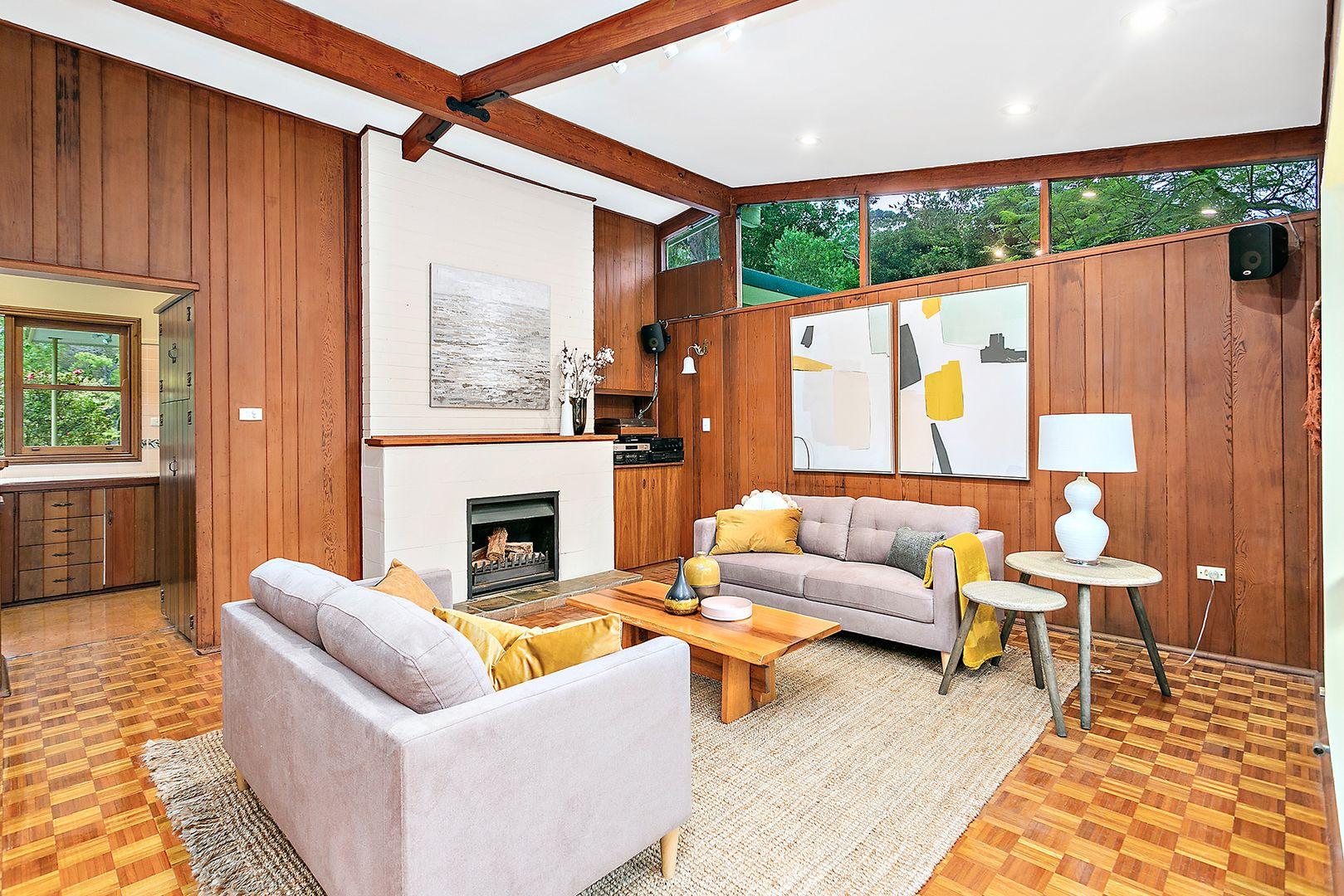 4 Bushland Avenue, Mount Pleasant NSW 2519, Image 2