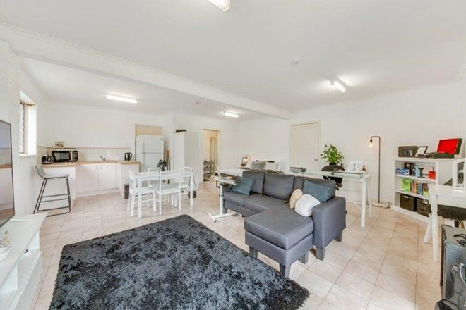 Picture of 4 RICHMOND COURT, BOYNE ISLAND QLD 4680
