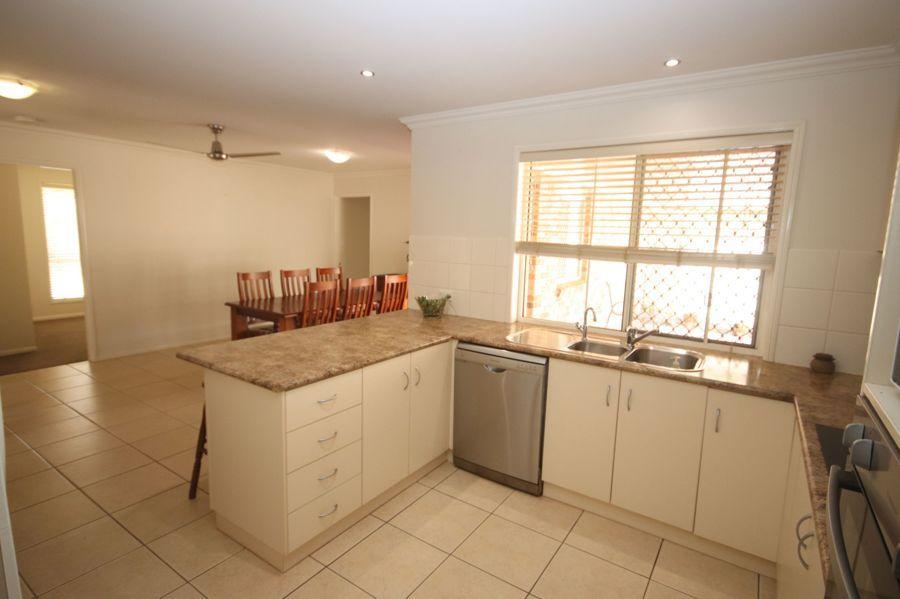 19 Bass Street, Cabarlah QLD 4352, Image 2