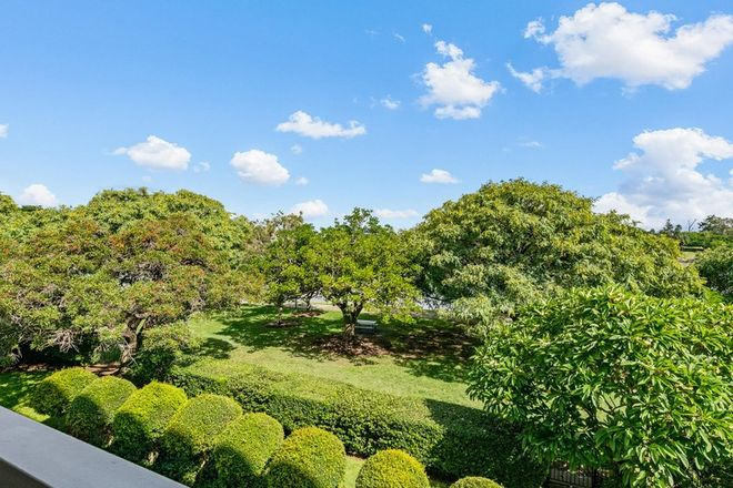 Picture of 5/128 Oxlade Drive, NEW FARM QLD 4005