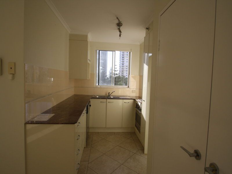 12/1 Hughes Avenue, Main Beach QLD 4217, Image 1