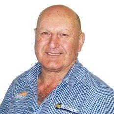 Alan Fairhead, Sales Manager